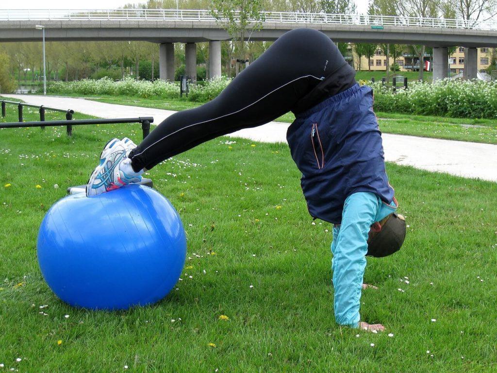 Die richtigen Pilates Übungen mit dem Pilates Ball
